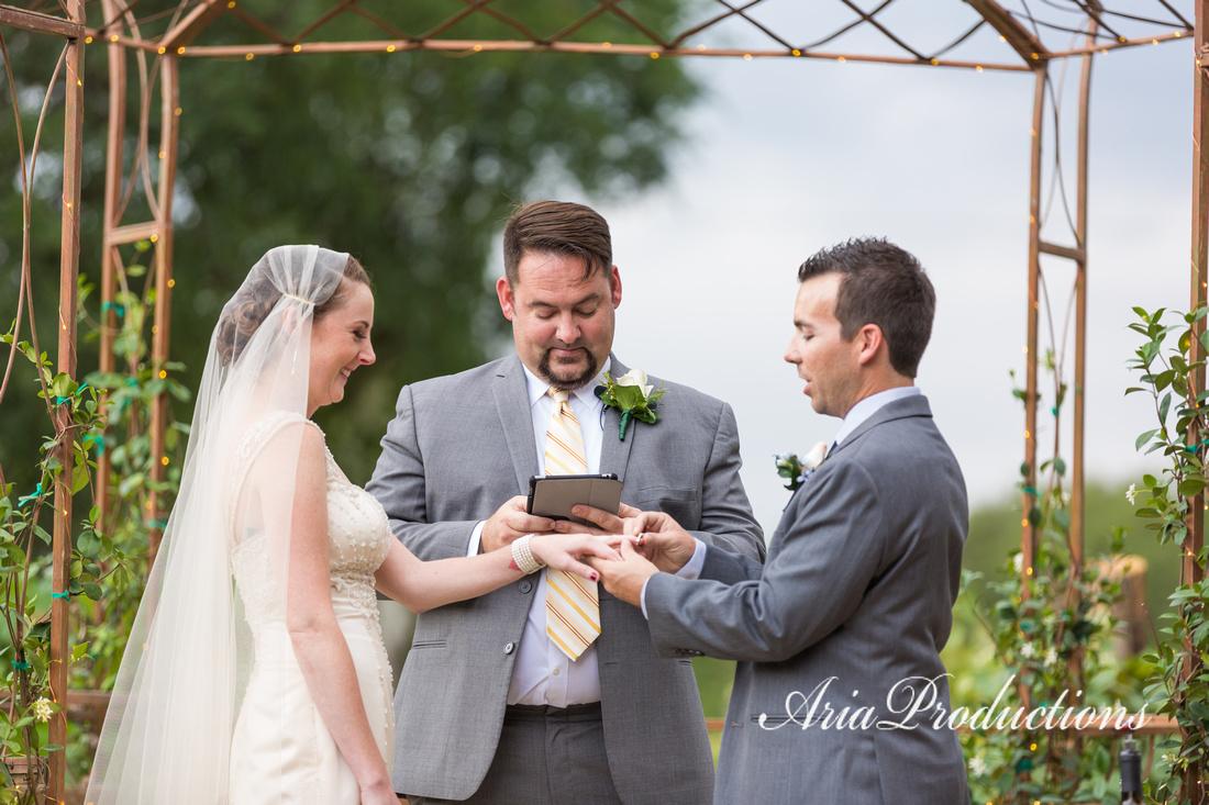 Rings oak Valley Vineyard Ceremony